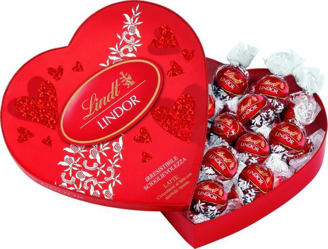 شکلات لیندور قلب ۳۰۰ گرمی